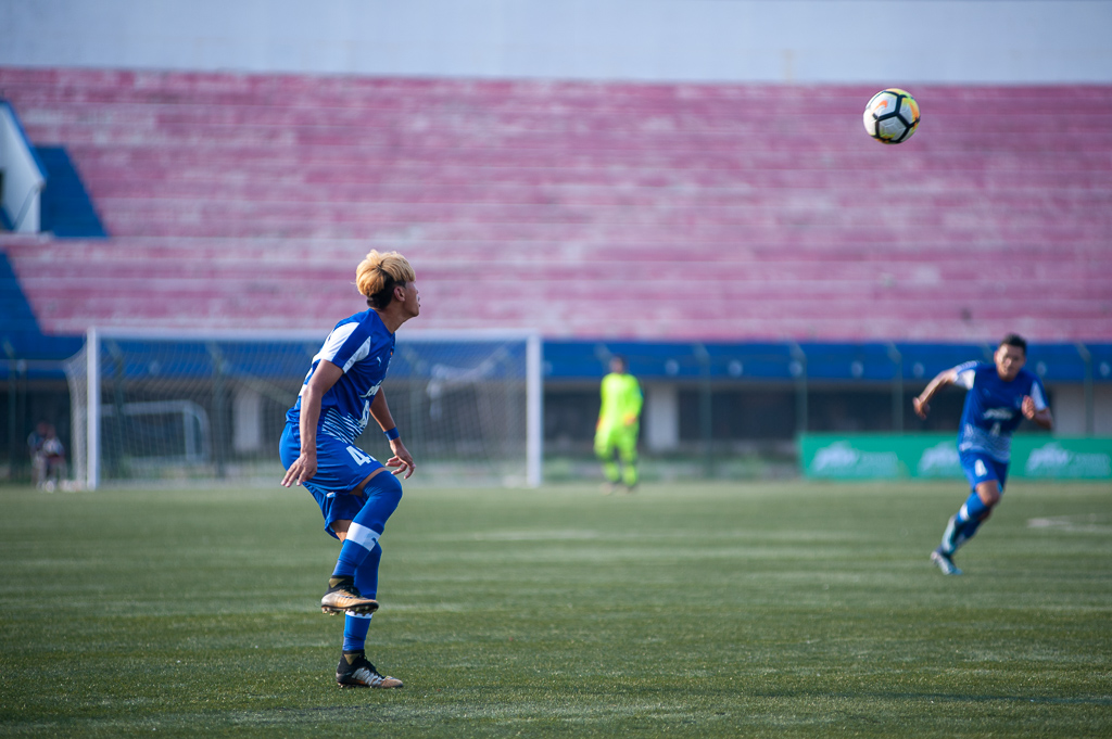 BFC B's Bidyana Singh is just about to trap a long ball that came in from the defence.
